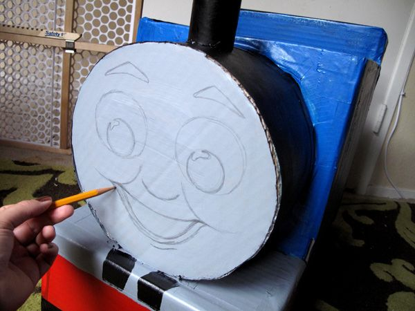 Make your own Thomas the Train costume