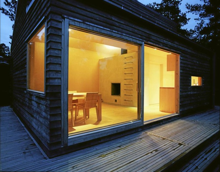 """""""Woody"""", a small cabin."""