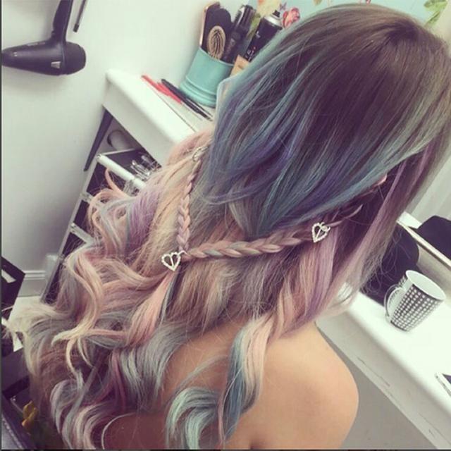 <p>Τα παστέλ χρώματα στα μαλλιά είναι must για τις εμφανίσεις σας στα καλοκαιρινά φεστιβάλ.</p>