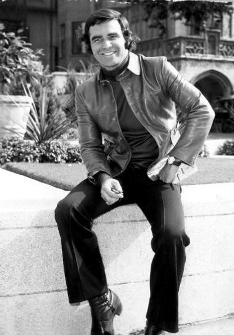 Burt Reynolds bw photo