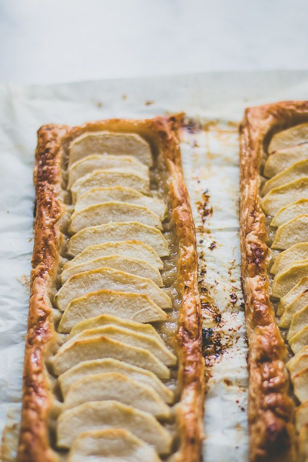 With only 4 ingredients, this quick and easy puff pastry apple tart will be ready in a matter of minutes.