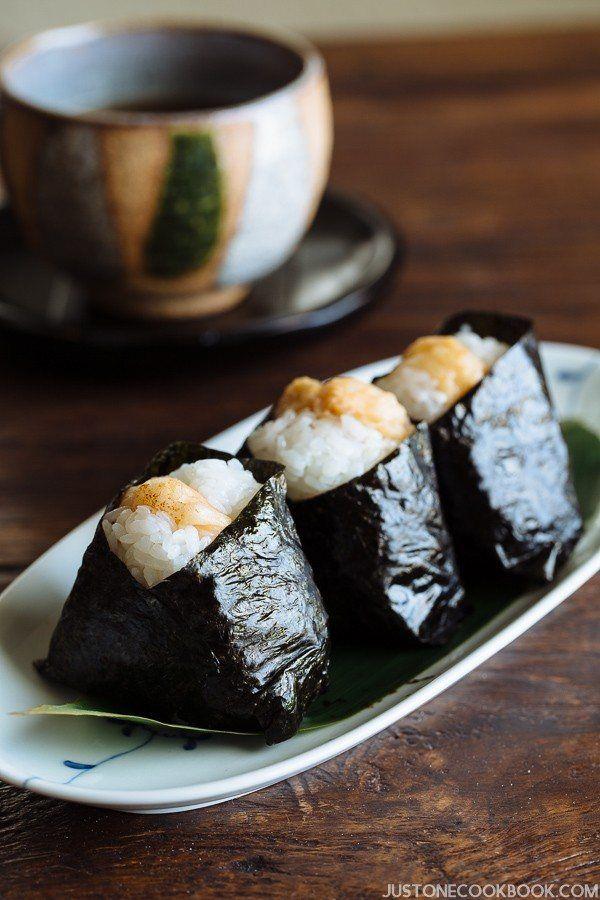 Tenmusu 天むす (Shrimp Tempura Rice Ball)