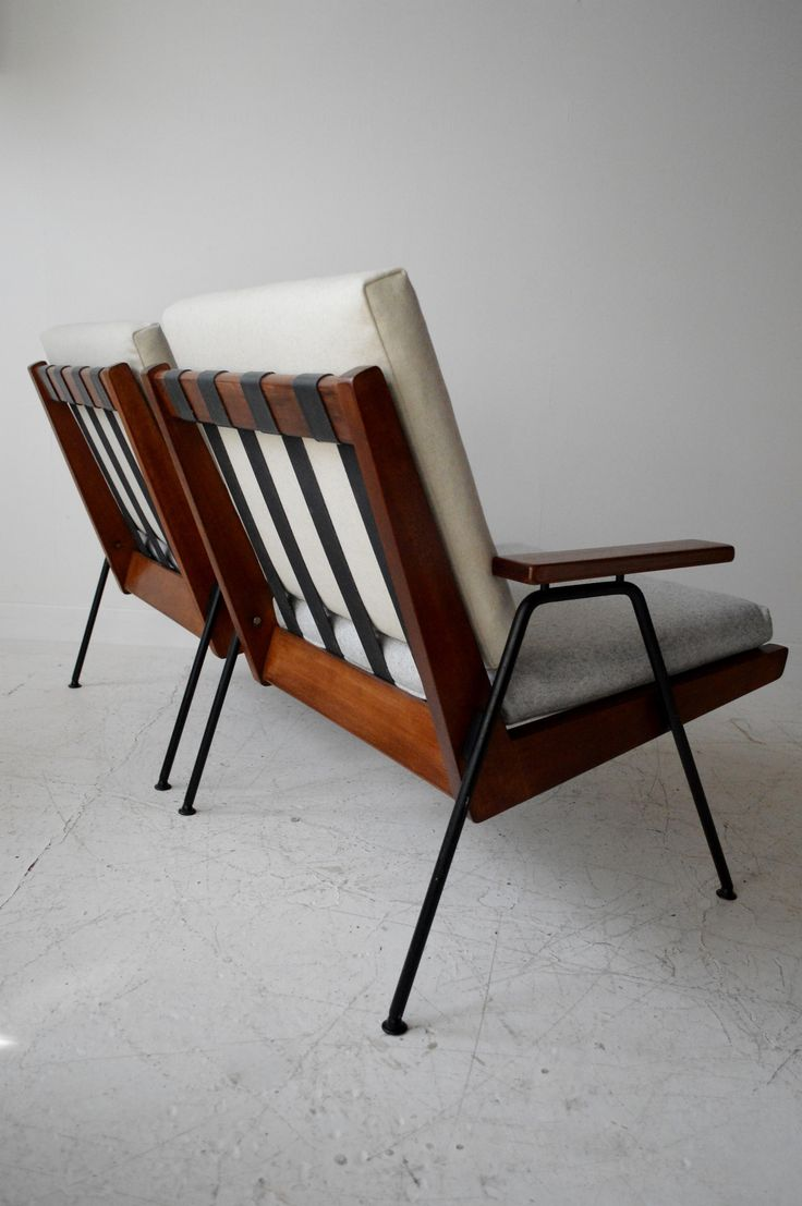 Robin Day; Beech and Enameled Metal 'Chevron' Chairs for Hille, 1959.