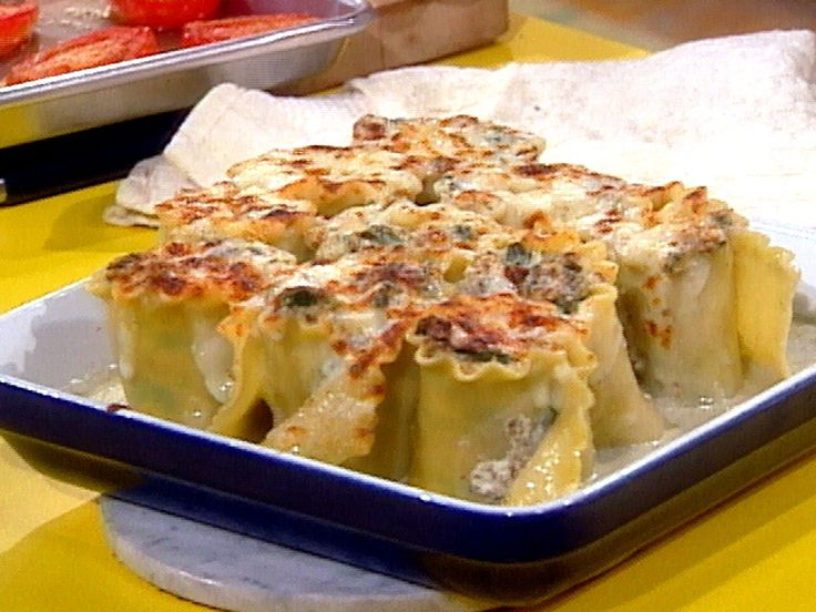 Spinach and Mushroom Lasagna Roll-ups with Gorgonzola Cream Sauce recipe from Rachael Ray via Food Network