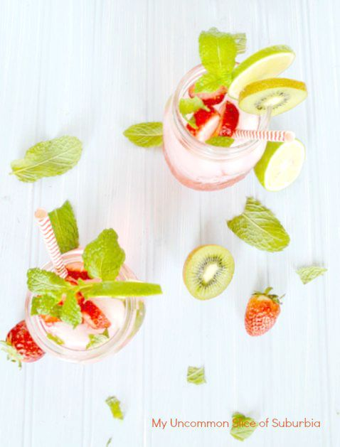 Strawberry Kiwi Mojito Recipe, the best cocktail ever very low calorie!