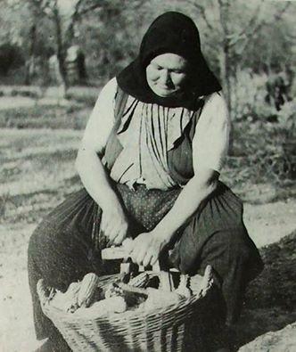 Kukoricamorzsolás, 1930-as évek.