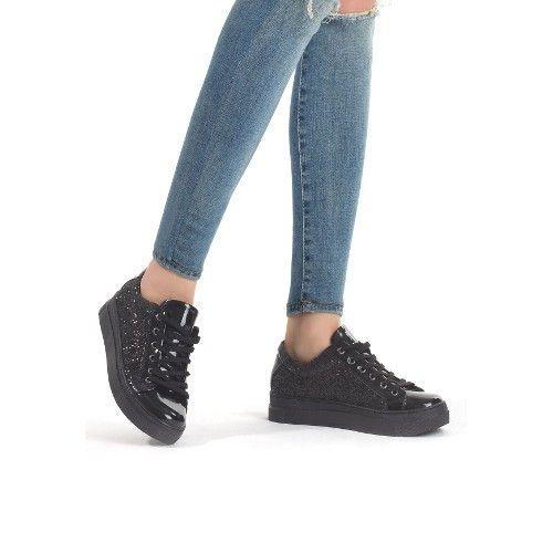 Bus Siyah Simli Rugan Detaylı Siyah Taban Bayan Spor Ayakkabı 60,68 TL ve ücretsiz kargo ile n11.com'da! Erbilden Günlük fiyatı Ayakkabı