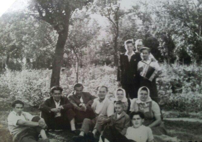 Kács/ Vasárnap délután 1950. körül