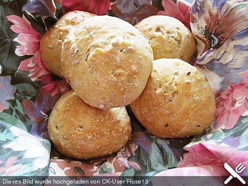 Tschechische Körnerbrötchen, ein gutes Rezept aus der Kategorie Brot und Brötchen. Bewertungen: 6. Durchschnitt: Ø 4,3.