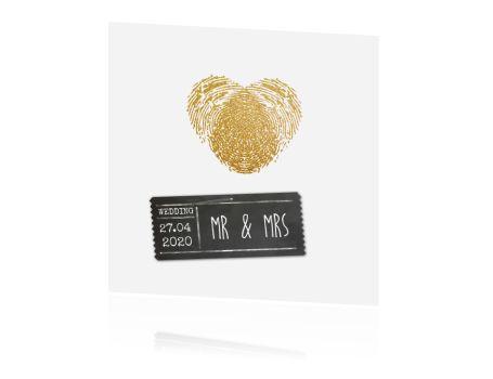 LOVZ - trouwkaart - goud look - stempel - vingerafdruk - krijt label- zelf maken http://lovz.nl/Trouwen/chique_en_klassiek