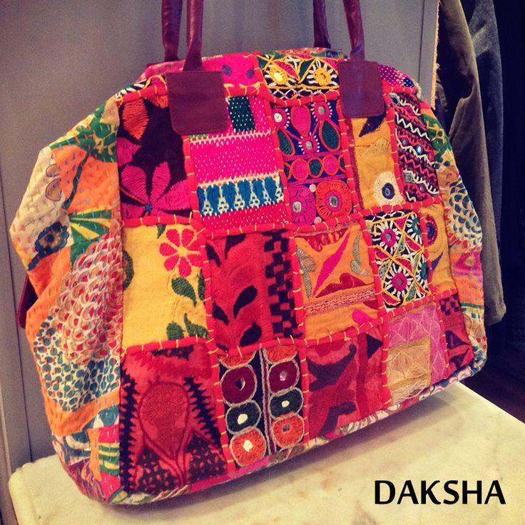Bolsos. www.daksha.com.ar Boho chic. Hippie chic. India. Tailandia.
