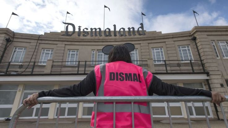 Banksy's Dismaland in Weston-super-Mare closes its doors for final time - BBC News