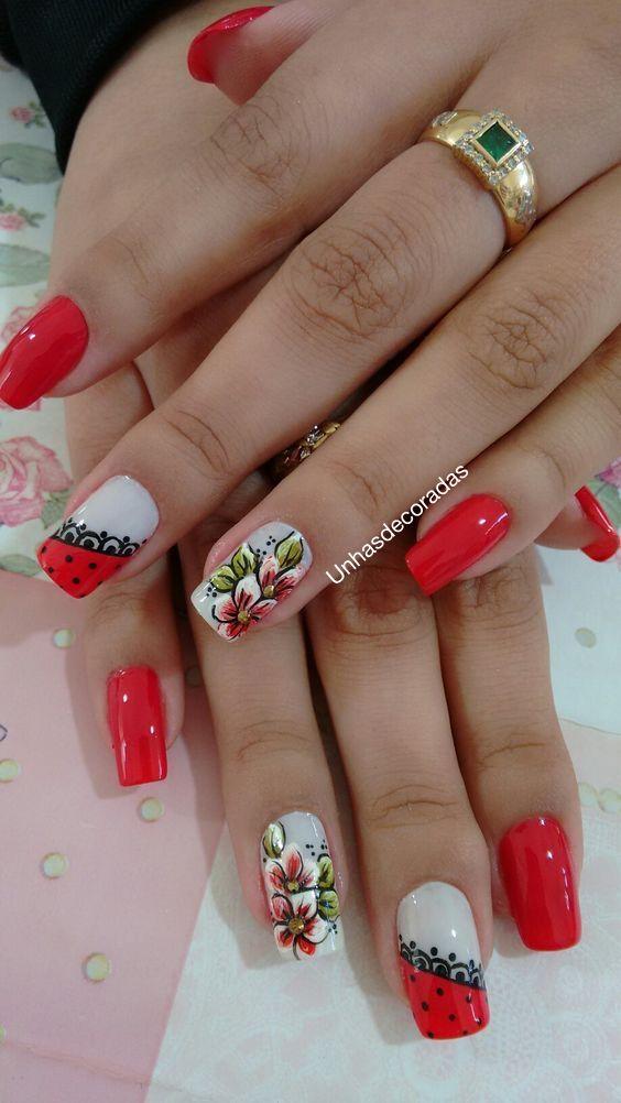 Die Blumen sind seit langem Teil der Dekoration der Nägel. Sie sind Symbole für Anmut und weibliche Feinheit. Blumen symbolisieren Schönheit, Reinheit, Liebe, Kreativität und Harmonie und viele andere schöne Worte, die wir mit Frauen verbinden können. Heute werden wir schöne Bilder von mit Blumen verzierten Nägeln sehen! Da die Nägel mit Nagelschmuck verziert sind, …
