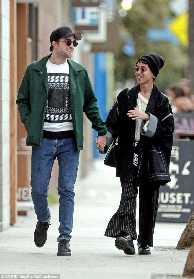 Engaged? Robert Pattinson and rumoured fiancee FKA twigs took a romantic stroll in Venice ...