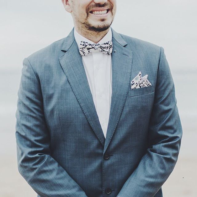 Custom Krew. #krewandco #customkrew #wedding #party #weddingparty #celebration #bride #groom #happy #love #ceremony #romance #marriage #weddingday #flowers #celebrate #instawed #instawedding #party #bowtie #fashion #swag #style #stylish #jacket #bowtiesarecool #suit