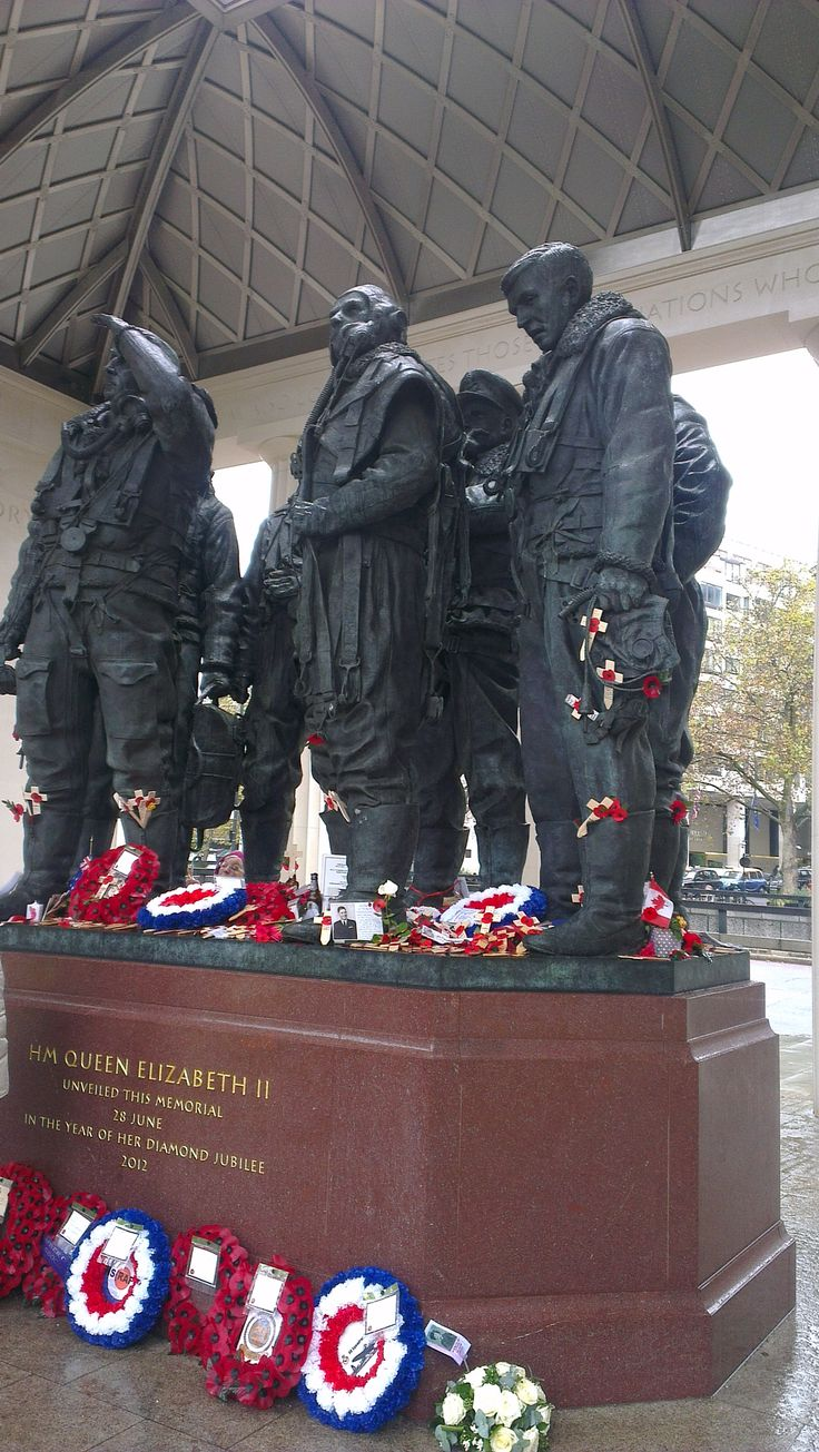 The latest memorial in London - The Bomber Command Memorial in Green Park ... quite simply ... stunning.