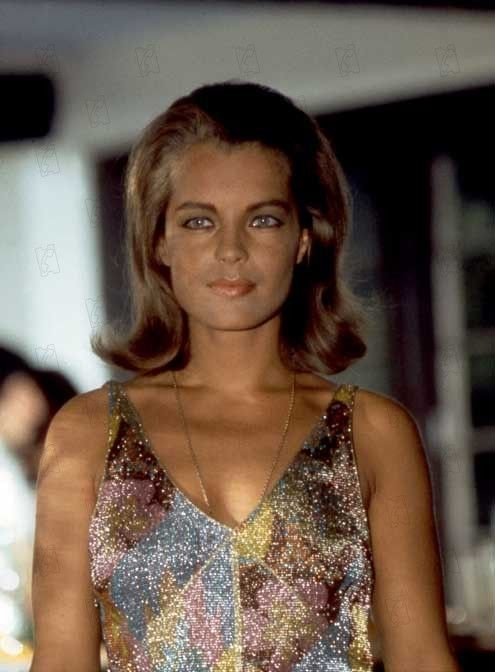 La Piscine- Romy Schneider I CRAVE  this dress!!