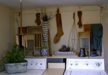 Country/Prim laundry room