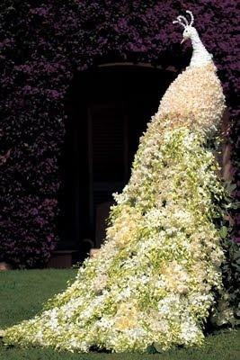 Preston Bailey Topiaries... How many flowers do you think this would take, using a carved foam base and maybe a chicken wire tail?
