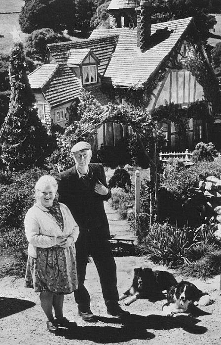 Babe - Magda Szubanski and James Cromwell - Farmer Arthur Hoggett and Esme Hoggett