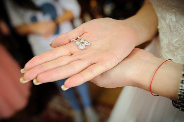 #wedding photography #wedding poses, #fotograf #valcea, #wedding moments, #moments, #constantin alin moments photography, #fotograf #nunta, http://constantinalin.ro/ https://www.facebook.com/momentefoto