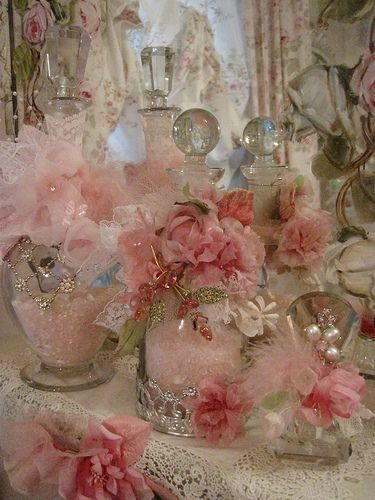 ❤°(¯`★´¯)Shabby Chic(¯`★´¯)°❤... Pink & Green vintage jeweled bottle