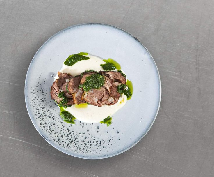 Recipe Slow-cooked lamb shoulder with gremolata and turnip and vanilla purée by Ben Bayly - Recipe of category Main dishes - meat