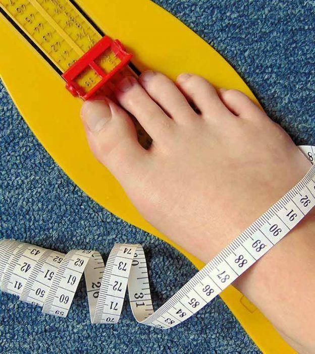 How To Measure Shoe Size A Guide With Sizing Chart Womenshoessizechart Womenshoessizetomen Shoe Size Chart Women Shoes Online Shoe Size
