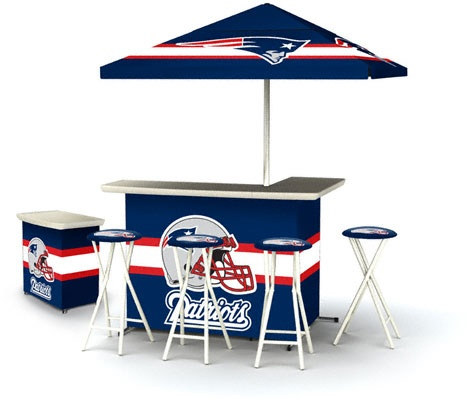 New England Patriots Deluxe Portable Tailgate Bar Set