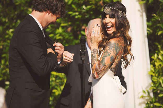 23 Beautiful Brides Who Showed Off Their Tattoos With Pride --- THIS GIRL; yes!