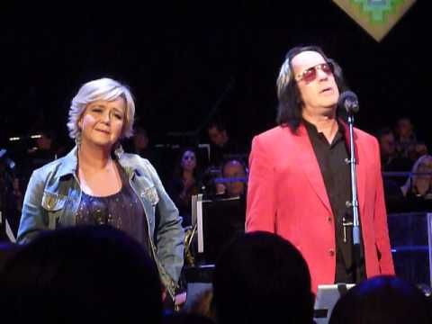 TODD RUNDGREN and MATHILDE SANTING & Metropole Orchestra - Love In Disgu...