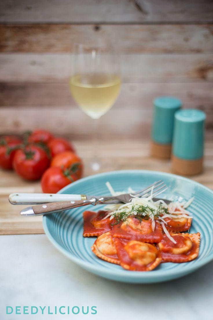 Ravioli met geroosterde venkel, tomatensaus en dille | www.deedylicious.nl