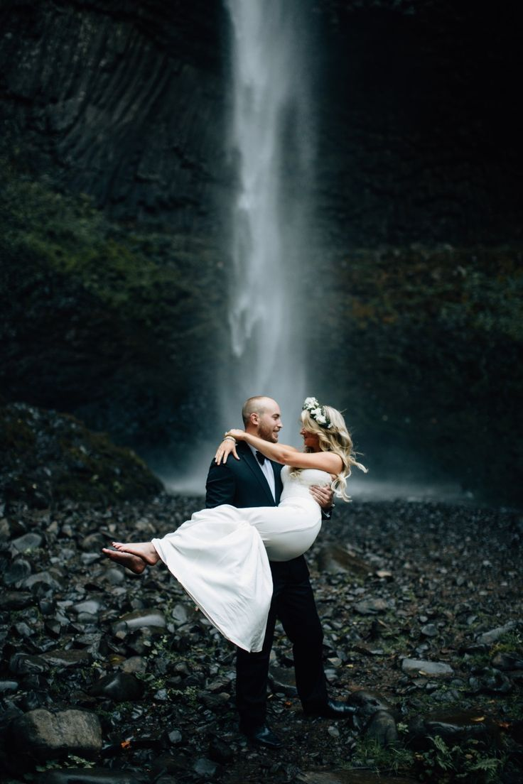 Waterfall wedding photo idea