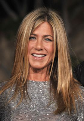 Jennifer Aniston stars as an aging woman who adopts her first cat.