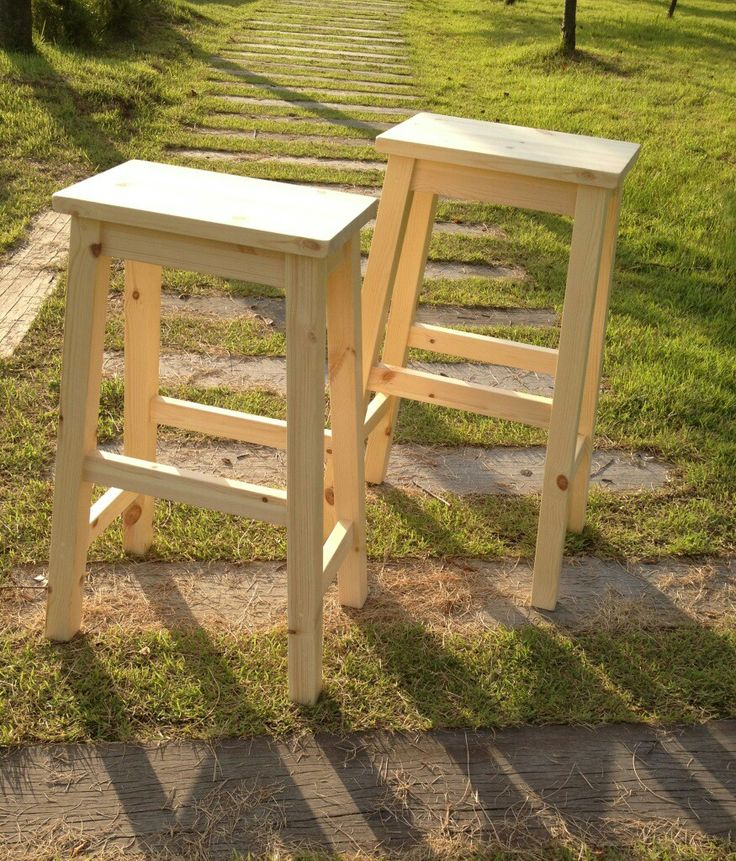 Bar Stool DIY, maybe think about curving the top piece?