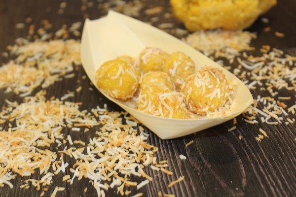 Tropical Energy Balls  INGREDIENTS80g dried pineapple80g dried mango50g dried banana chips50g dried apple2 tbsp vanilla protein powder2 tbsp dessicated coconut½ cup shredded coconut, toastedDIRECTIONSPlace the pineapple, mango, banana chips, apple, protein powder and dessicated coconut into the 700ml cup; securely attach the blending blade holder to the cup.Align t...
