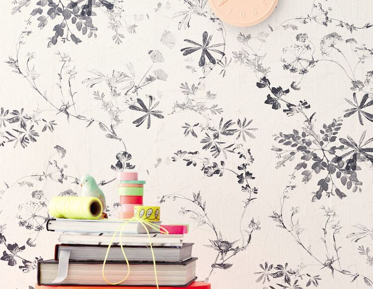 eurowalls Brigitte 2016 wallpaper - Black and white floral.