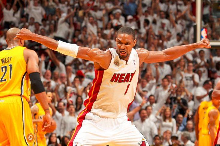Miami Heats Kehilangan Pilar Terbaiknya - Berita jelek menimpa Miami Heat. Salah satu pemain andalannya, Chris Bosh, harus