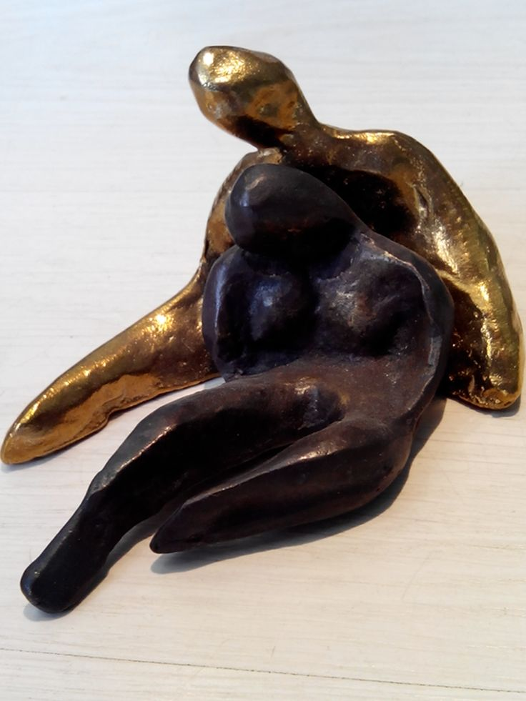 Affection. Casted bronze.