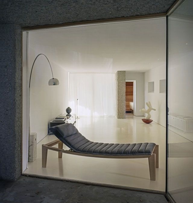 Ulisse Daybed /  6 Modern & Contemporary Daybeds  http://vurni.com/modern-stylish-daybeds/