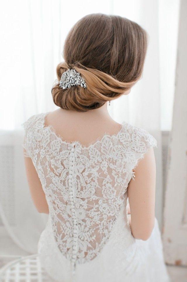 Vintage Steckfrisur mit Haarspange-elegant Hochzeit