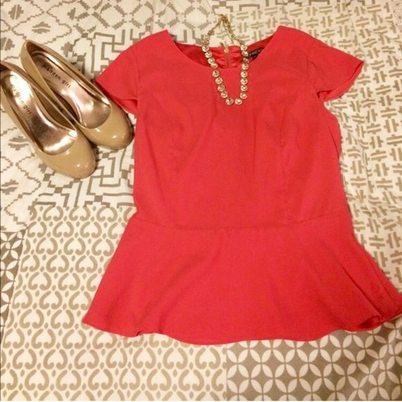 Express Pink Peplum Top Size Small Express rose pink peplum top. Cute zipper detailing in the back.  Great for a night out or under a blazer for the office. 98% polyester. Size small. Express Tops