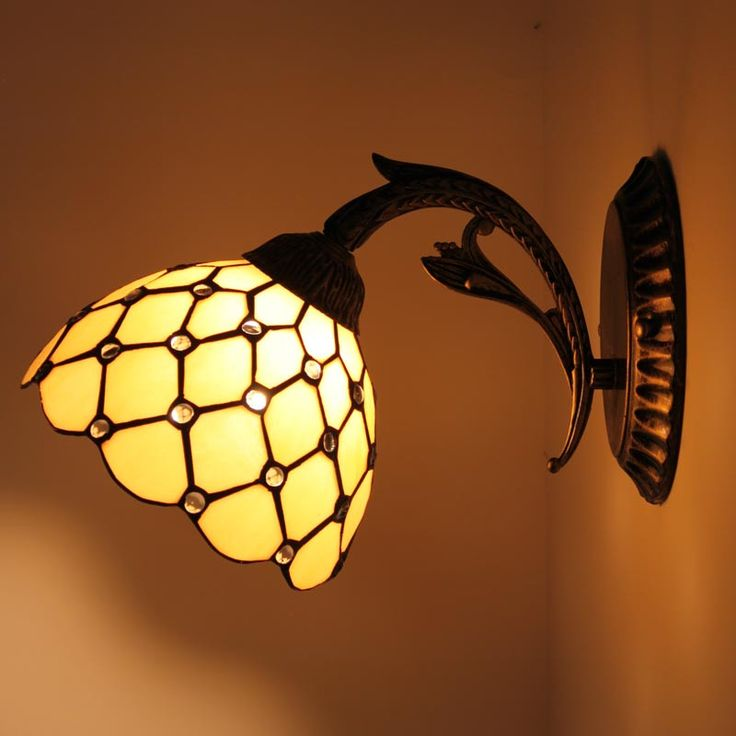 1000+ Ideas About Bedside Lamp On Pinterest