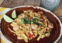Easy Pad Thai - A Beautiful Mess  Want to make!!