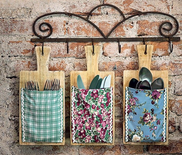 Less drawer to open and close, more grace in everyday life. Cutting boards with cloth pockets viewed cutlery useful and decorative. To att ...