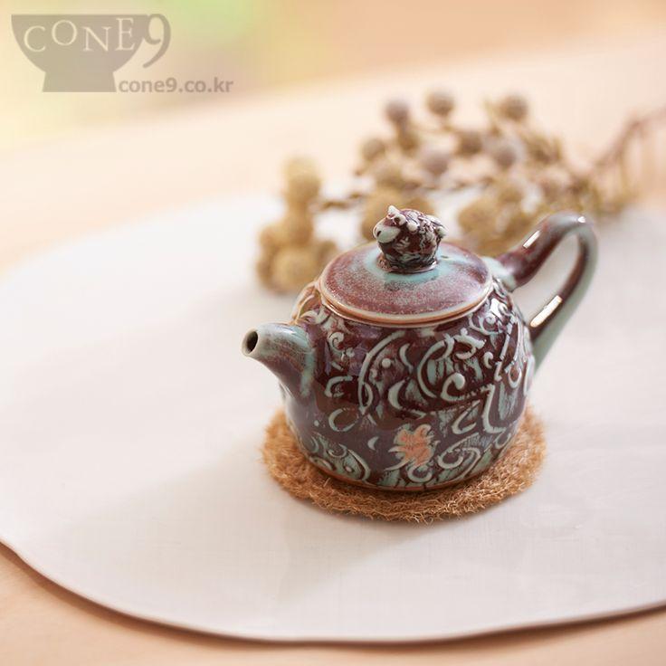 Teapot by Seong-il Hong, 2015 /  #cone9 #SeongilHong #pottery #teapot #teaware #콘나인 #도자기 #다관 #차도구 #노산도방