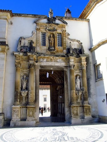 Porta Ferrea da Universidade de Coimbra - Portugal