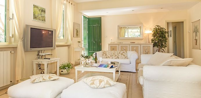 #villasforrentinsicily  Villa Bianchissima