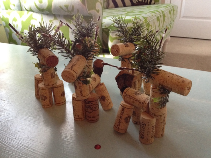Wine Cork Reindeer - Ornament. $5.00, via Etsy ~ or make it yourself, or kids afternoon craft activity