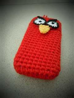Lizi's Handmade Factory - Crochet Angry Birds Cell Cozy - free pattern